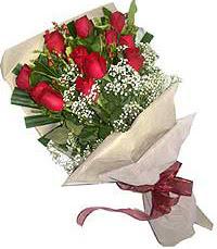 11 adet kirmizi güllerden özel buket  İzmir Konak yurtiçi ve yurtdışı çiçek siparişi