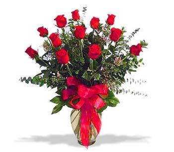çiçek siparisi 11 adet kirmizi gül cam vazo  İzmir Konak çiçek yolla , çiçek gönder , çiçekçi