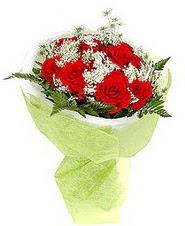 İzmir Konak anneler günü çiçek yolla  7 adet kirmizi gül buketi tanzimi