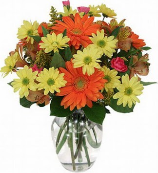 İzmir Konak çiçek satışı  vazo içerisinde karışık mevsim çiçekleri