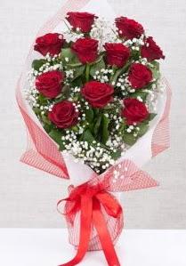 11 kırmızı gülden buket çiçeği  İzmir Konak çiçek gönderme