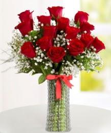 10 kırmızı gül cam vazo içerisinde  İzmir Konak çiçek online çiçek siparişi