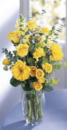 İzmir Konak çiçek yolla , çiçek gönder , çiçekçi   sari güller ve gerbera cam yada mika vazo