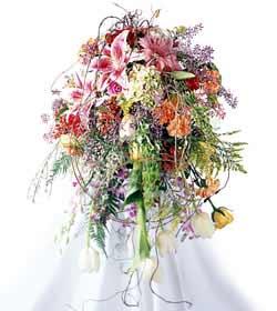 İzmir Konak çiçek siparişi sitesi  ferforje mevsim çiçeklerinden
