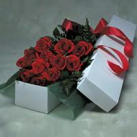 İzmir Konak çiçek yolla , çiçek gönder , çiçekçi   11 adet gülden kutu