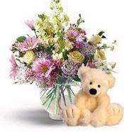 İzmir Konak İnternetten çiçek siparişi  cam yada mika vazoda çiçekler ve oyuncak