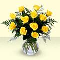 İzmir Konak kaliteli taze ve ucuz çiçekler  9 adet sari gül mika ve cam vazoda