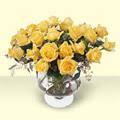İzmir Konak uluslararası çiçek gönderme  11 adet sari gül cam yada mika vazo içinde