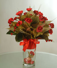 yapay güllerden vazo  9 gül  İzmir Konak çiçek yolla