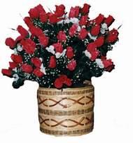 yapay kirmizi güller sepeti   İzmir Konak çiçekçi mağazası