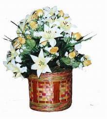 yapay karisik çiçek sepeti   İzmir Konak çiçek gönderme sitemiz güvenlidir
