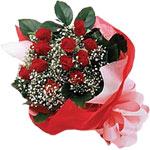 İzmir Konak kaliteli taze ve ucuz çiçekler  KIRMIZI AMBALAJ BUKETINDE 12 ADET GÜL