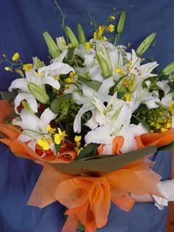 İzmir Konak kaliteli taze ve ucuz çiçekler  5 ADET KAZABLANKA BUKETI KALITEDEN SASMAYANLARA