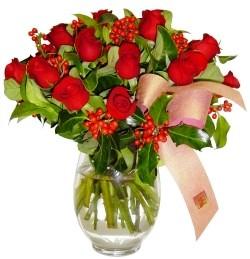 İzmir Konak çiçek servisi , çiçekçi adresleri  11 adet kirmizi gül  cam aranjman halinde