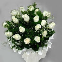 İzmir Konak çiçek online çiçek siparişi  11 adet beyaz gül buketi ve bembeyaz amnbalaj