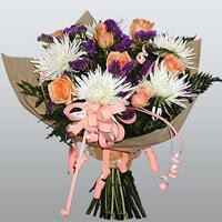 güller ve kir çiçekleri demeti   İzmir Konak güvenli kaliteli hızlı çiçek