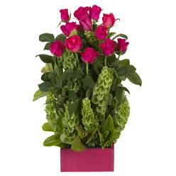 12 adet kirmizi gül aranjmani  İzmir Konak hediye çiçek yolla