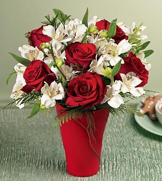 İzmir Konak çiçek gönderme sitemiz güvenlidir  6 adet kirmizi gül ve kir çiçekleri