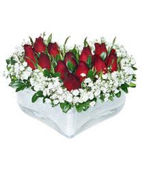 İzmir Konak yurtiçi ve yurtdışı çiçek siparişi  mika kalp içerisinde 9 adet kirmizi gül