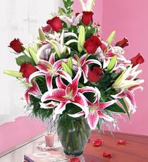 İzmir Konak çiçek siparişi vermek  harika vazo tanzimi gül - kazab