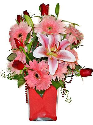 İzmir Konak İnternetten çiçek siparişi  karisik cam yada mika vazoda mevsim çiçekleri mevsim demeti