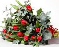İzmir Konak 14 şubat sevgililer günü çiçek  11 adet kirmizi gül buketi özel günler için