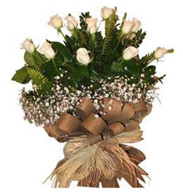 İzmir Konak uluslararası çiçek gönderme  9 adet beyaz gül buketi