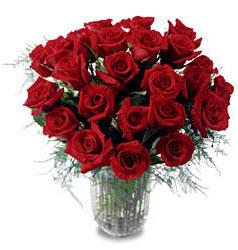 İzmir Konak online çiçek gönderme sipariş  11 adet kirmizi gül cam yada mika vazo içerisinde