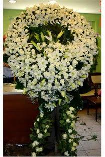Cenaze çelenk , cenaze çiçekleri , çelengi  İzmir Konak 14 şubat sevgililer günü çiçek