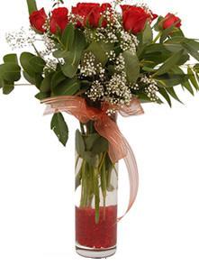 9 gül sevdiklerinize  İzmir Konak 14 şubat sevgililer günü çiçek