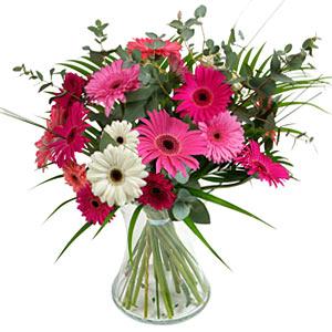 15 adet gerbera ve vazo çiçek tanzimi  İzmir Konak çiçek yolla , çiçek gönder , çiçekçi