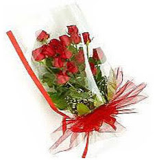 13 adet kirmizi gül buketi sevilenlere  İzmir Konak online çiçekçi , çiçek siparişi