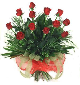 Çiçek yolla 12 adet kirmizi gül buketi  İzmir Konak çiçek siparişi sitesi