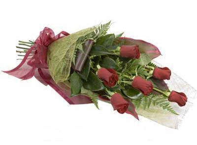 ucuz çiçek siparisi 6 adet kirmizi gül buket  İzmir Konak çiçek mağazası , çiçekçi adresleri