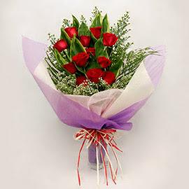 çiçekçi dükkanindan 11 adet gül buket  İzmir Konak çiçek servisi , çiçekçi adresleri