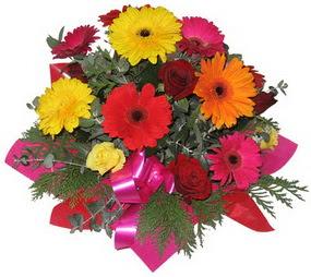 Karisik mevsim çiçeklerinden buket  İzmir Konak çiçek satışı