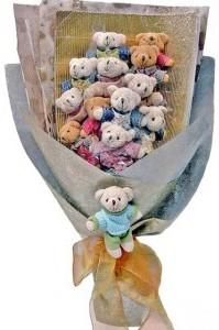 12 adet ayiciktan buket tanzimi  İzmir Konak İnternetten çiçek siparişi