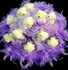 11 adet pelus ayicik buketi  İzmir Konak anneler günü çiçek yolla
