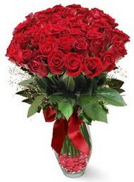 19 adet essiz kalitede kirmizi gül  İzmir Konak çiçek gönderme