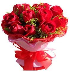9 adet kirmizi güllerden kipkirmizi buket  İzmir Konak güvenli kaliteli hızlı çiçek
