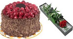 1 adet yas pasta ve 1 adet kutu gül  İzmir Konak çiçek yolla