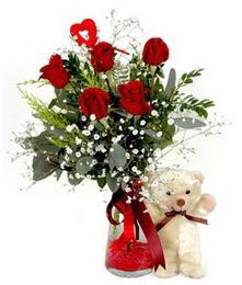 İzmir Konak internetten çiçek satışı  5 adet kirmizi gül ve pelus ayicik kalp çubuk