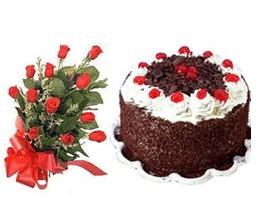 İzmir Konak hediye sevgilime hediye çiçek  10 adet kirmizi gül buketi ve yaspasta