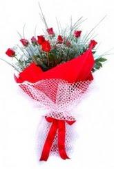 İzmir Konak çiçek siparişi vermek  9 adet kirmizi gül buketi demeti