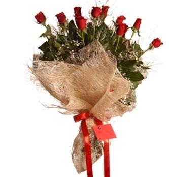 İzmir Konak ucuz çiçek gönder  10 adet kırmızı gülden görsel buket