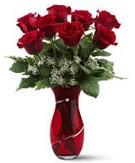 8 adet kırmızı gül sevgilime hediye  İzmir Konak çiçek siparişi vermek