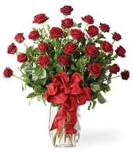 Sevgilime sıradışı hediye güller 24 gül  İzmir Konak çiçek gönderme