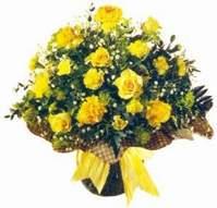 İzmir Konak anneler günü çiçek yolla  Sari gül karanfil ve kir çiçekleri