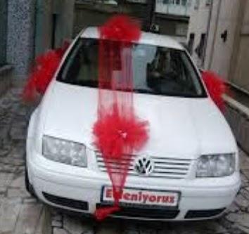 İzmir Konak hediye sevgilime hediye çiçek  çiçeksiz gelin arabası süslemesi