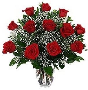 İzmir Konak çiçek servisi , çiçekçi adresleri  12 adet kırmızı gülden vazo tanzimi